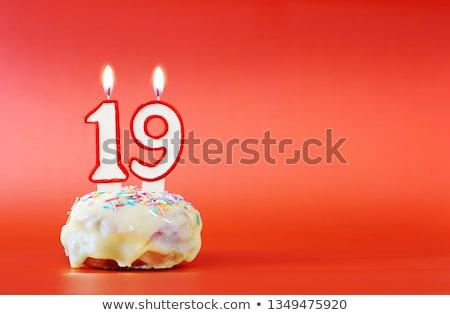 Doğum günü pastası yanan mum numara 19 kek Stok fotoğraf © Zerbor