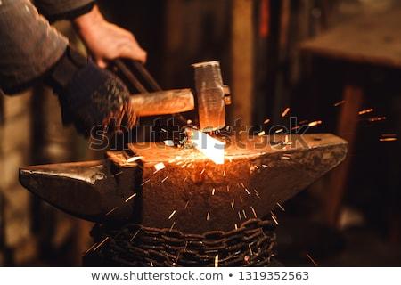 kovács · dolgozik · fém · kalapács · üllő · munka - stock fotó © smuki