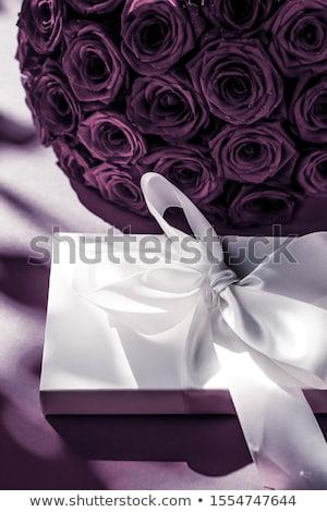 Luksusowe wakacje jedwabiu szkatułce bukiet róż Zdjęcia stock © Anneleven