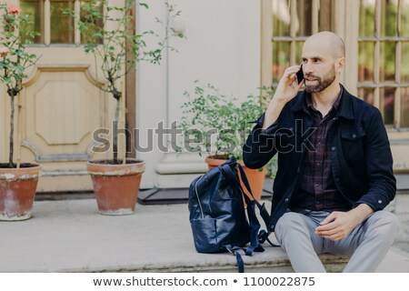 Barbado masculina turísticos barba teléfono conversación Foto stock © vkstudio