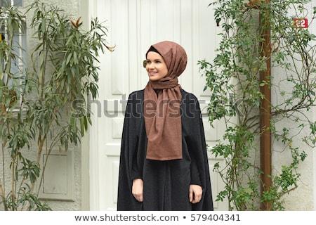 muszlim · nő · fekete · ruha · izolált · fehér · lány - stock fotó © elnur