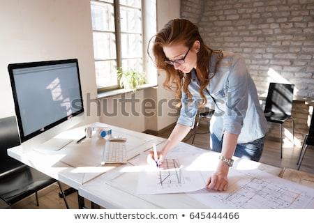 Architect vrouw tekening blauwdruk kantoor business Stockfoto © dolgachov