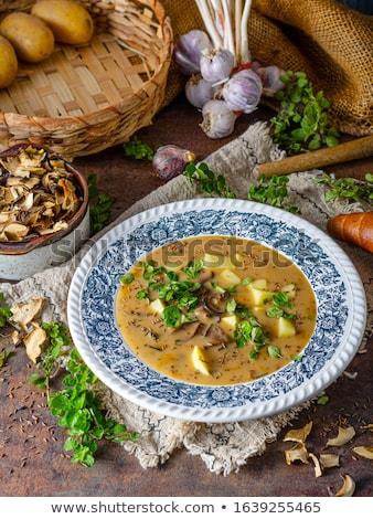 Stok fotoğraf: Patates · mantar · çorba · ev · yapımı · otlar · içinde