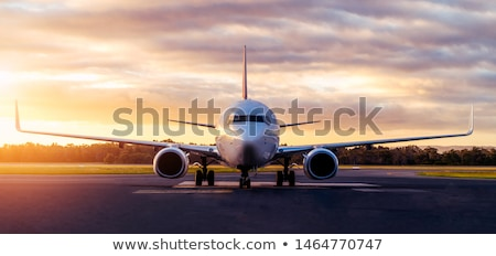 avión · aeropuerto · turbina · grande · espera · salida - foto stock © taden