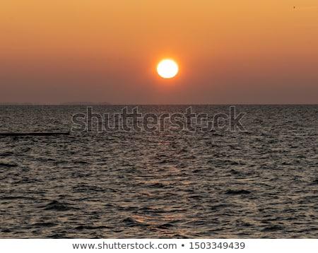 nascer · do · sol · mar · báltico · cuspir · Lituânia · praia · céu - foto stock © amok