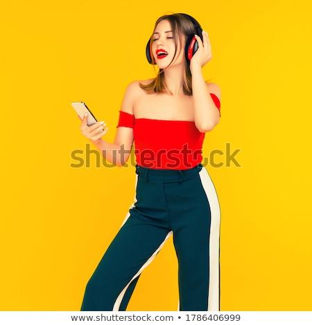 Piękna dziewczyna muzyki piękna atrakcyjna dziewczyna gry Zdjęcia stock © lovleah