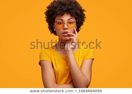 Gyönyörű afroamerikai nő sötét napszemüveg póló fiatal Stock fotó © darrinhenry