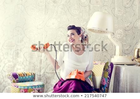 retro · ama · de · casa · teléfono · mujer · vintage · sorprendido - foto stock © lunamarina