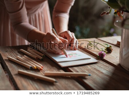 Zdjęcia stock: Kobiet · strony · malarstwo · pracy · biurko