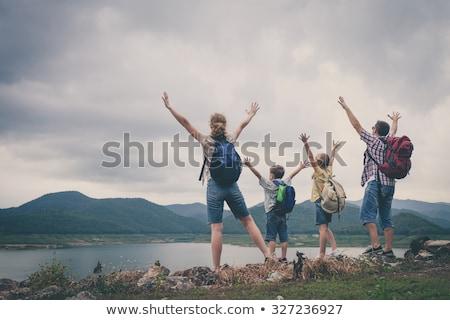 счастливая · семья · походов · лесу · Adventure · путешествия · туризма - Сток-фото © dolgachov