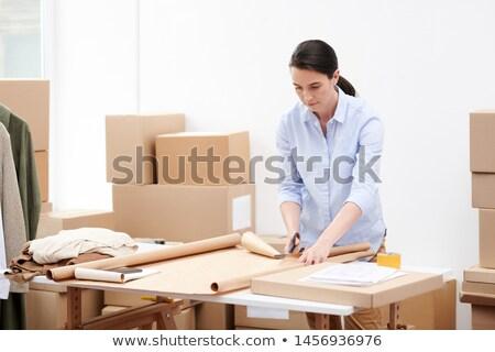 Manager online shop ufficio carta da imballaggio Foto d'archivio © pressmaster