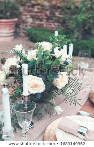 Kaarsen vaas witte rozen tabel winnen Stockfoto © dashapetrenko