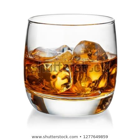 uísque · vidro · bandeja · escuro · gelo - foto stock © dehooks