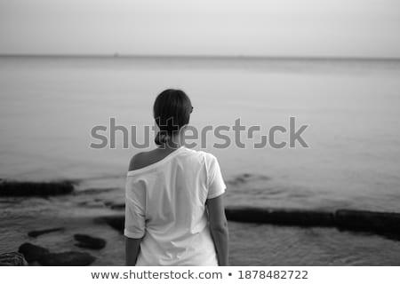 portré · csinos · fiatal · nő · áll · tengerpart · modern - stock fotó © HASLOO