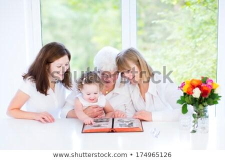 старший · матери · дочь · глядя · фото · привлекательный - Сток-фото © photography33