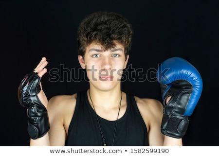 Kick bokser kiezen handschoenen fitness studio Stockfoto © wavebreak_media