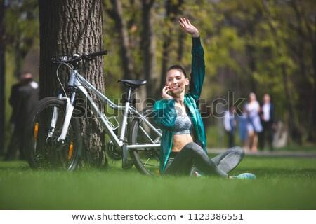 ragazza · onde · mano · seduta · bicicletta · donne - foto d'archivio © Paha_L