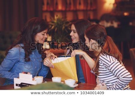 autentikus · kép · fiatal · nő · bevásárlótáskák · kávézó · nő - stock fotó © monkey_business