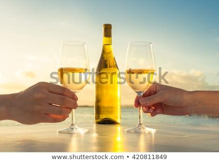 kezek · pár · vörösbor · szemüveg · pirít · valentin · nap - stock fotó © is2