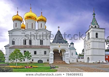 Klooster Rusland kathedraal mannelijke bank rivier Stockfoto © borisb17
