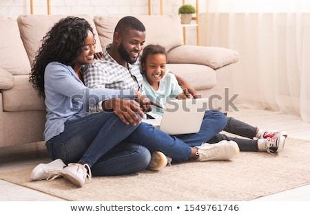 bastante · mãe · sessão · sofá · filha · casa - foto stock © wavebreak_media