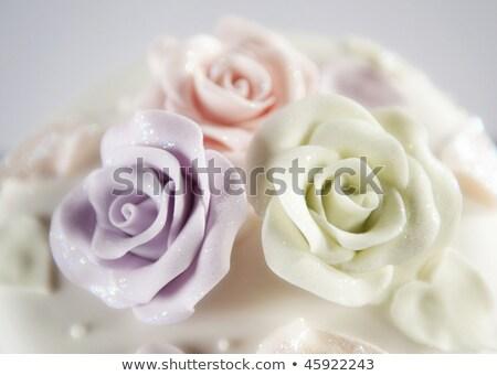 esküvői · torta · rózsák · pár · szeretet · étel · esküvő - stock fotó © orensila