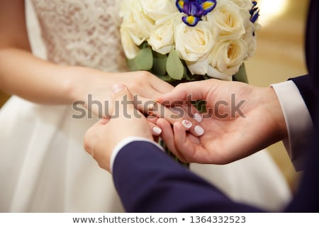 обмена обручальными кольцами пару свадьба человека Церкви Сток-фото © pumujcl