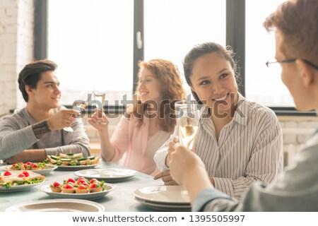 dos · mujeres · fiesta · sonriendo · alimentos · mujeres - foto stock © monkey_business