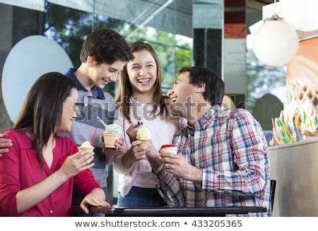 nő · eszik · sundae · fagylalt · kávézó · étel - stock fotó © kzenon