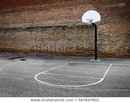 Alten verwitterten Freien Basketball legen Stock foto © simazoran