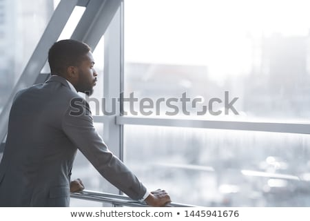 Człowiek patrząc na zewnątrz okno szczęśliwy krajobraz Zdjęcia stock © photography33