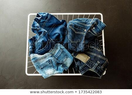 Foto stock: Adolescente · cesta · roupa · branco · menino · roupa