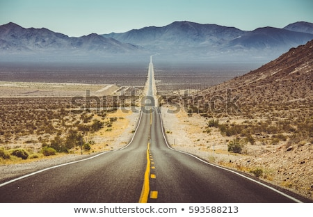 Stockfoto: Death Valley Straight Road In Desert National Park