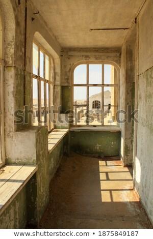 Ruina abandonado ciudad muerta ventana arquitectura vacío Foto stock © dirkr