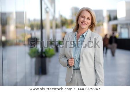 Retrato feminino corretor de imóveis escritório mulher casa Foto stock © HighwayStarz