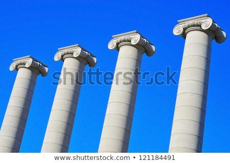 Cuatro columnas Barcelona España frente dardo Foto stock © frimufilms