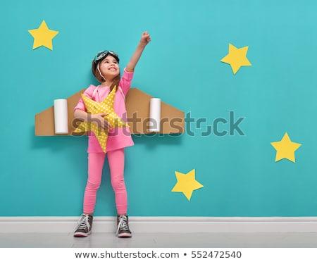 Kind spelen piloot weinig meisje zonsondergang Stockfoto © choreograph