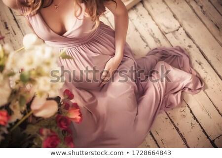 menina · feliz · flores · mãe · casa · pessoas · família - foto stock © dolgachov