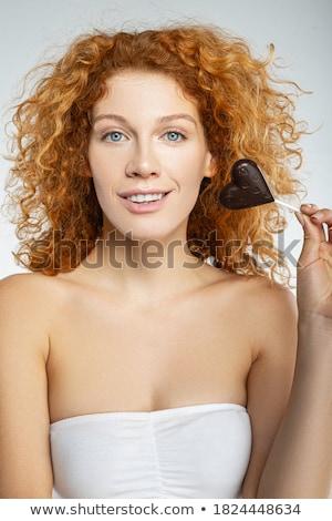 aantrekkelijk · jonge · brunette · chocolade · hart · portret - stockfoto © lithian