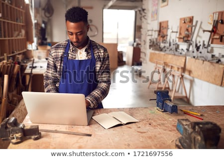 Timmerman laptop computer man hout ontwerp Stockfoto © photography33