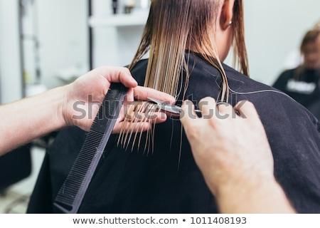 jóvenes · mujer · hermosa · pelo · corte · mujer · sonriendo - foto stock © wavebreak_media