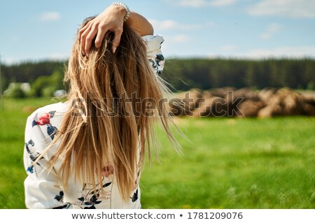 Model dağınık saç poz dokunmak yüz Stok fotoğraf © feedough