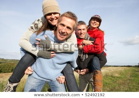 Foto stock: Dos · parejas · a · cuestas · otono · paisaje · feliz