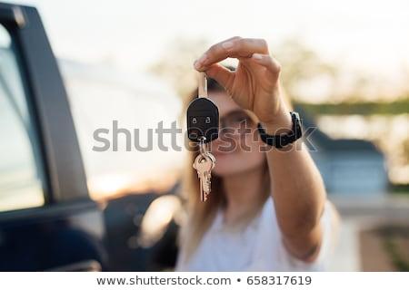драйвера · женщину · новых · автомобилей · ключами · вождения - Сток-фото © wavebreak_media