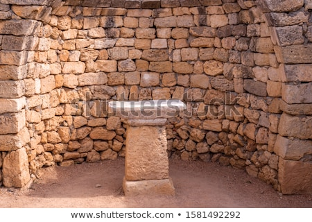 Antigua altar detalle madera cruz vela Foto stock © tiero