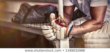 Krykieta gracz posiedzenia ławce szatnia Zdjęcia stock © wavebreak_media