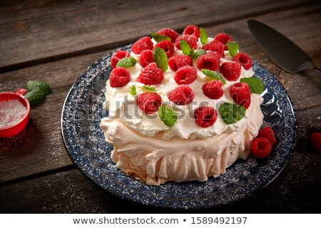 fresco · framboesa · sobremesa · de · servido · branco - foto stock © virgin