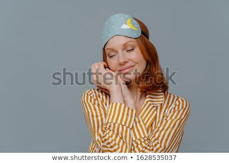 Bastante pecoso mujer palmas pijama Foto stock © vkstudio