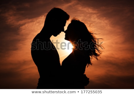 Dramatique amour couple permanent femme heureux Photo stock © feedough
