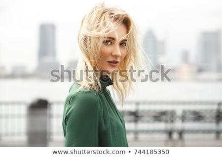 mooie · blond · groene · jurk · sexy · gelukkig - stockfoto © zastavkin
